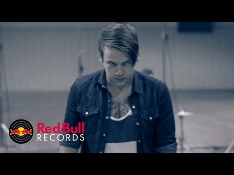 Beartooth - I Have A Problem (Official) online metal music video by BEARTOOTH