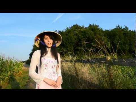 Cô gái hàn quốc hát ''Tiến Quân Ca'' hay thật