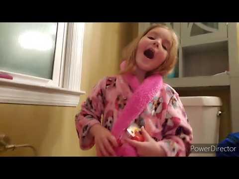 Creative Kids DIY Surprise Bath Bombs Review