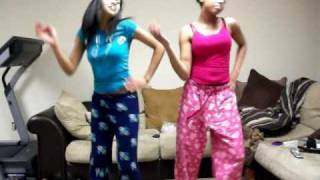 Kortneyy & Jasmin Attempting To Do The Single Ladies Dance