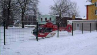 preview picture of video 'Rettungshubschrauber Christoph 46 aus Zwickau am 09.01.2010 in Eibenstock'