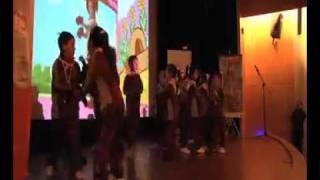 Perro Chocolo en lanzamiento de la serie Uno dos tres a jugar