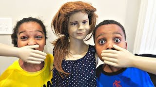 Sarah Mannequin vs Shasha and Shiloh - Onyx Kids