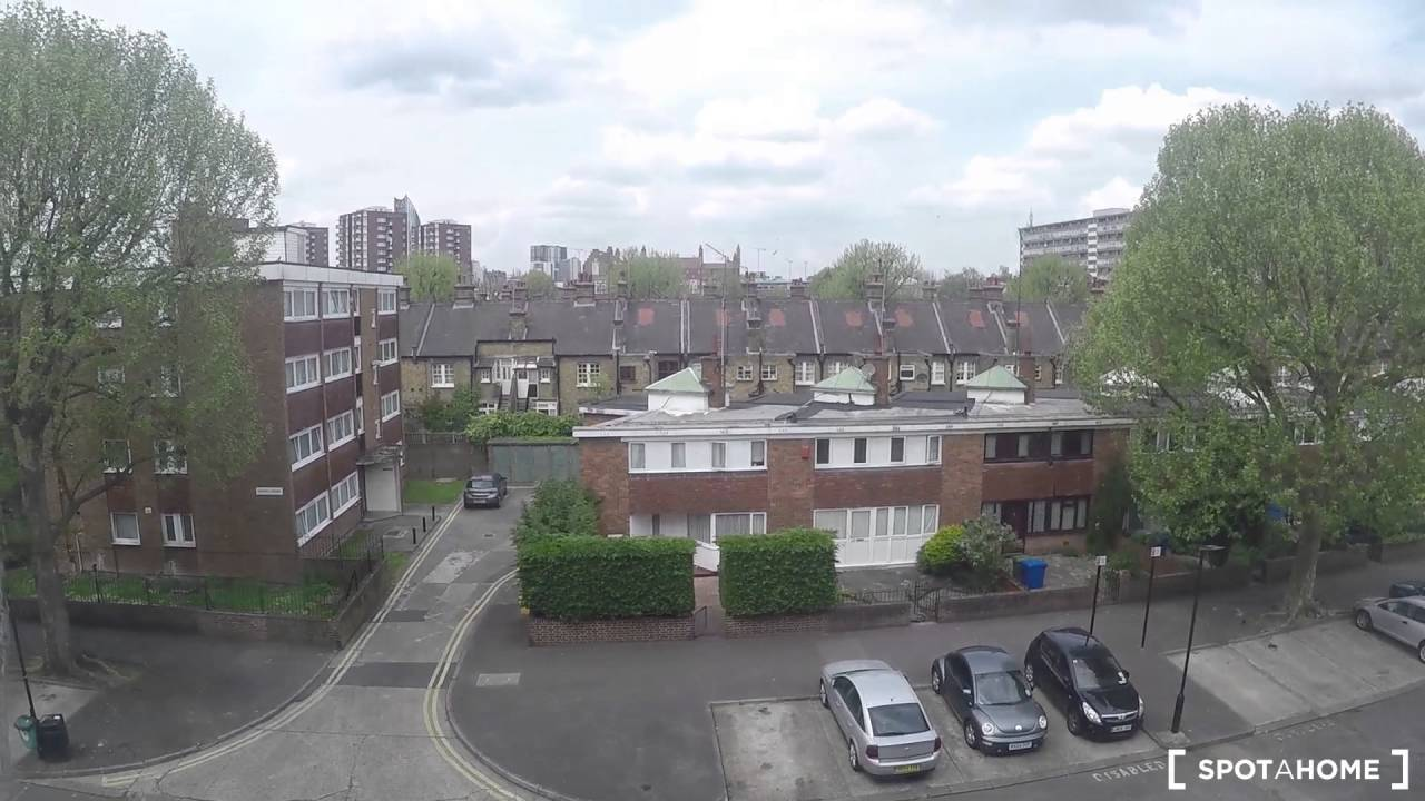 Rooms for rent in 5-bedroom flat near Burgess Park