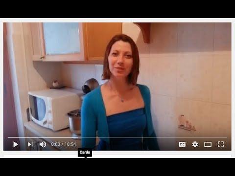 La donna con i modelli video di idoneità