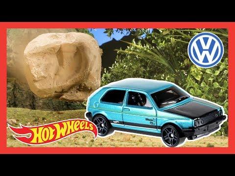 Hot Wheels Volkswagen Rainy Day Dilemma | Hot Wheels
