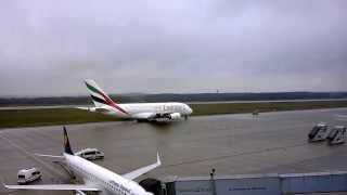 preview picture of video 'Start des Airbus A380-861 (A6-EDL) der Emirate von Dresden International (DRS)'