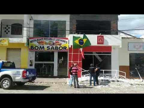 Polícia técnica analisa explosão em agência de Boa Vista do Tupim