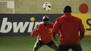 Telepathic Football: Yorke&Cole Vs Rooney, Welbeck&Hernandez