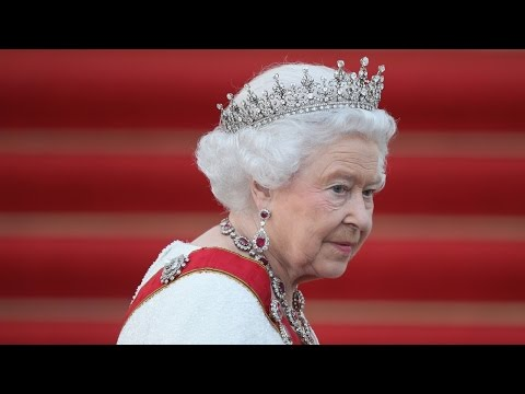 Queen paying for Buckingham Palace repairs