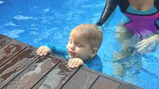 How to teach your baby to swim. Water skills to know at 18months
