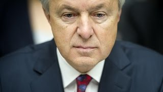 Disgraced Wells Fargo CEO Resigns