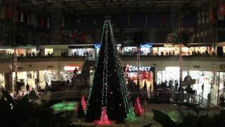 preview picture of video 'HOLIDAY LIGHTS AND SNOW SHOW at Micronesia Mall in Guam'