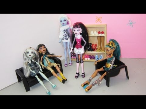 Make monster high doll shoes or sandals with foam - Doll Crafts - simplekidscrafts