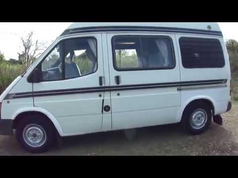 Das Auto gibt 9 Liter des Benzins auf 100 km des Weges und der Preis des Benzins 26 Rubeln aus