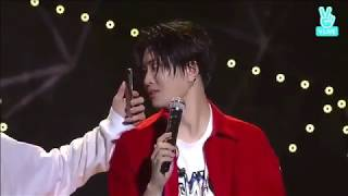 #2JAE Youngjae Poses For JB (¬‿¬) (and Frankly Seduces Him With His Sexy Forms He-he)