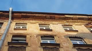 Чуть не убило! Обрушение фасада здания Санкт-Петербург, улица Херсонская