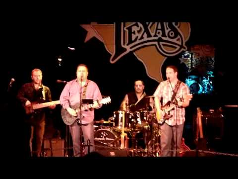 Southern Chrome - Live at Billy Bob's Texas performing Come Back Song by Darius Rucker (Cover)