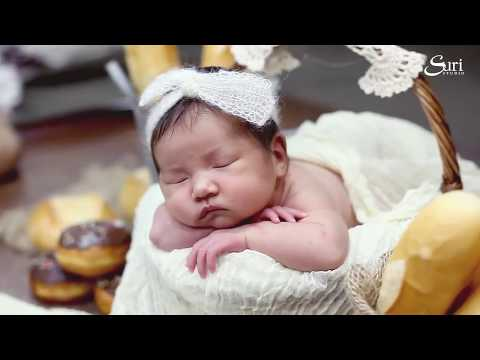 Newborn photography in Suri Studio