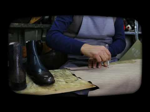 Il cono su una giuntura di dito del piede è stato formato