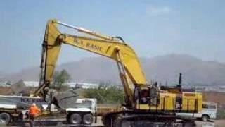 Komatsu PC1250 digging deeeeep