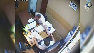 Видео получения взятки сотрудником ГСУ МВД РФ по Краснодарскому краю