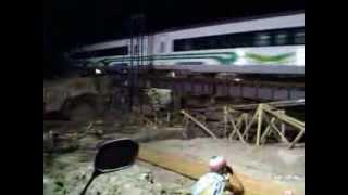 preview picture of video 'Argo Bromo Anggrek Go Green Malam Surabaya Ps Turi - Gambir'