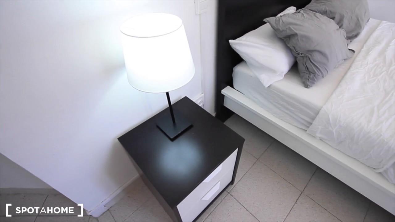 Rooms for rent in 6-bedroom apartment in El Raval, near Las Ramblas