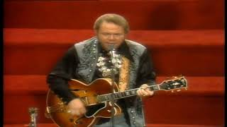 Roy Clark - Honeymoon Feelin/Live At The Tennessee State Prison 1977