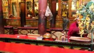 preview picture of video 'Monk Chanting in Hemis Monastery'