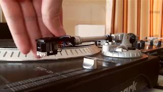 ASMR with turntable tonearm (brushing, tapping, scratching, no talking) - ASMR by a DJ