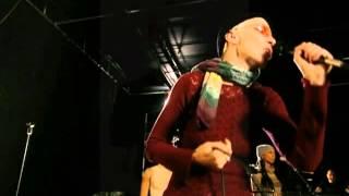 Annie Lennox - Soledad (Loneliness)