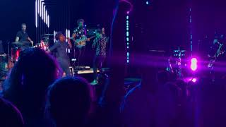 Fitz And The Tantrums -Roll Up (Live at the Shoreline Amphitheater)