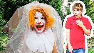 IT (ESO) & Pasha vs Evil Bride, Parody, ОНО и ПАША против злой невесты