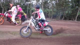 Goonriding: Idiots in Motorcross - www.oliepeil.nl