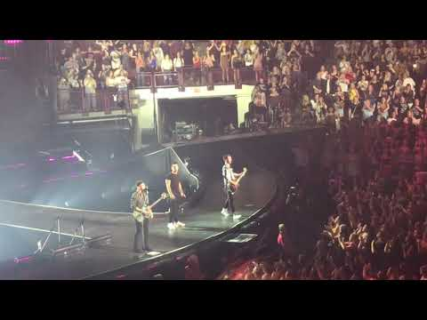 Jonas Brothers: Happiness Begins Tour - Burnin' Up/Sucker [Columbus, Ohio]
