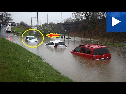 Shocking Video Shows Cars Buried Under Water In Bristol | Latest News