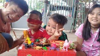Đồ chơi trẻ em bé pin bịt mắt đón con vật ❤ PinPin TV ❤