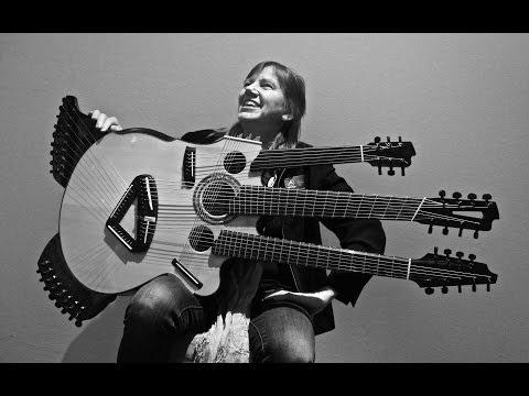 , title : 'Linda Manzer / Medusa Guitar / Holy Grail Guitar Show / VintageandRare.com'