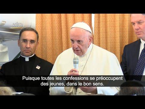 Conférence de presse du Pape François dans l'avion, au retour de Genève