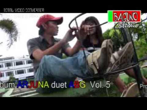 Lagu Dendang Kuansing (Bini 1000 - Suwiar)