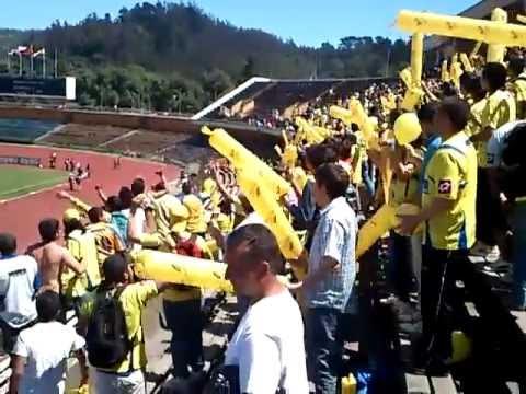 """""""Salida Los Del Foro UDECONCE- Everton liguilla 2012"""" Barra: Los del Foro • Club: Universidad de Concepción"""
