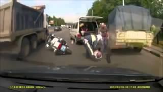 Смотреть онлайн Подборка драк водителей на дороге