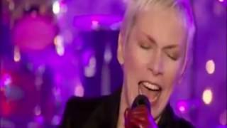 Annie Lennox   Lullay Lullay  (The Conventry Carol)  Christmas in Rockefeller Center  2010