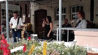 Miss Acquaroli - Party- und Hochzeitsband video preview