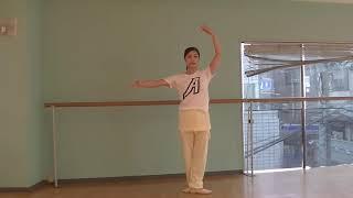 宝塚受験生のバレエ基礎〜バレエの方向と手のポジション〜のサムネイル画像