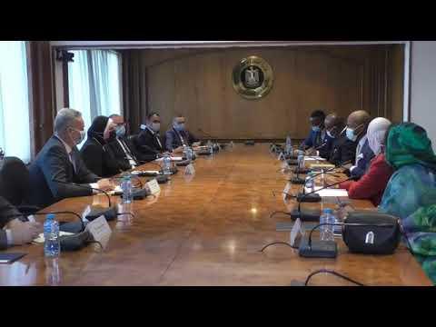 جلسة المباحثات التي عقدتها نيفين جامع مع وفد سكرتارية اتفاقية التجارة الحرة القارية الإفريقية