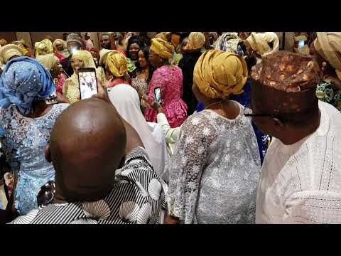 Sheikh Jamiu Ami Olohun's wife dances in on her wedding day