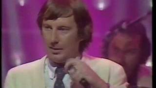 Dr Feelgood - Take A Tip - South Bank Show (ITV 1981)