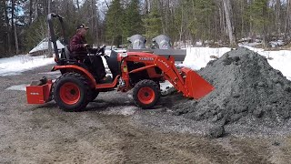 #32 Kubota B2601 Compact Tractor Front End Loader FEL Harder Than It Looks. outdoor channel.